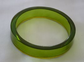 Bakelite Bangle - Lime Jello with Colour-changer Rim- 1930s - 1940s ( sold)
